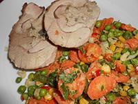 Gombás töltött pulykacomb párolt zöld zöldségekkel