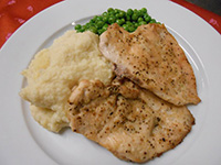 Citromborsos sült csirkemell paszternák pürével és pár.borsó