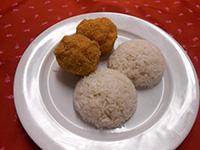 Snidlinges juhtúróval töltött gomba kukoricás bundában+rizs