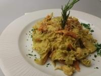 Indiai káposztás csirkemell wok ropogós sült hagymával