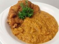 Dhal (indiai lencse) főzelék rántott csirkecombbal