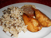 Parasztsonkában s.kecskesajt grill körtével,vadrizses b.rizs