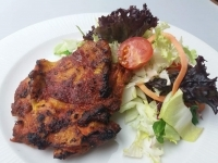 Oregánós görög csirkecomb filé,kapros joghurtos friss saláta