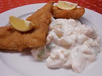 Rántott tengeri halfilé majonézes burgonyával