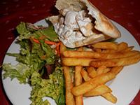 Gyros pitában sült burgonyával