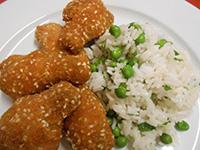 Csirkeszárny szezámos bundában rizi-bizivel,édes chili szósz