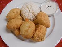 Sörtésztában sült gomba jázmin rizzsel és tartármártással