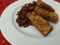 Zöldfűszeres rántott tofu zöldséges sült rizzsel