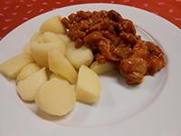 Csülkös pacal főtt burgonyával